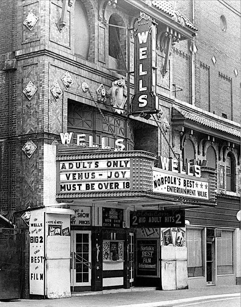 bw-no0073-wells-theater-adults-only